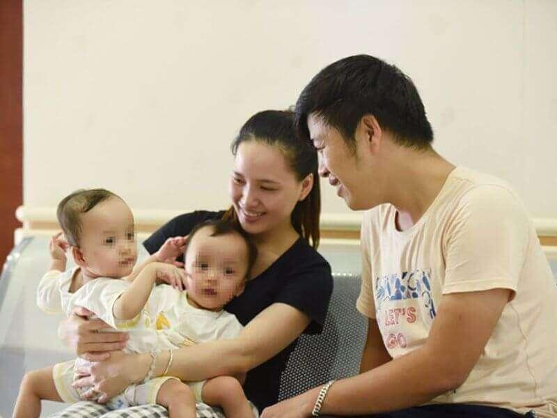 Cha mẹ cặp song sinh được tách rời Trúc Nhi – Diệu Nhi: Nghẹn lại vì 2 con! 6