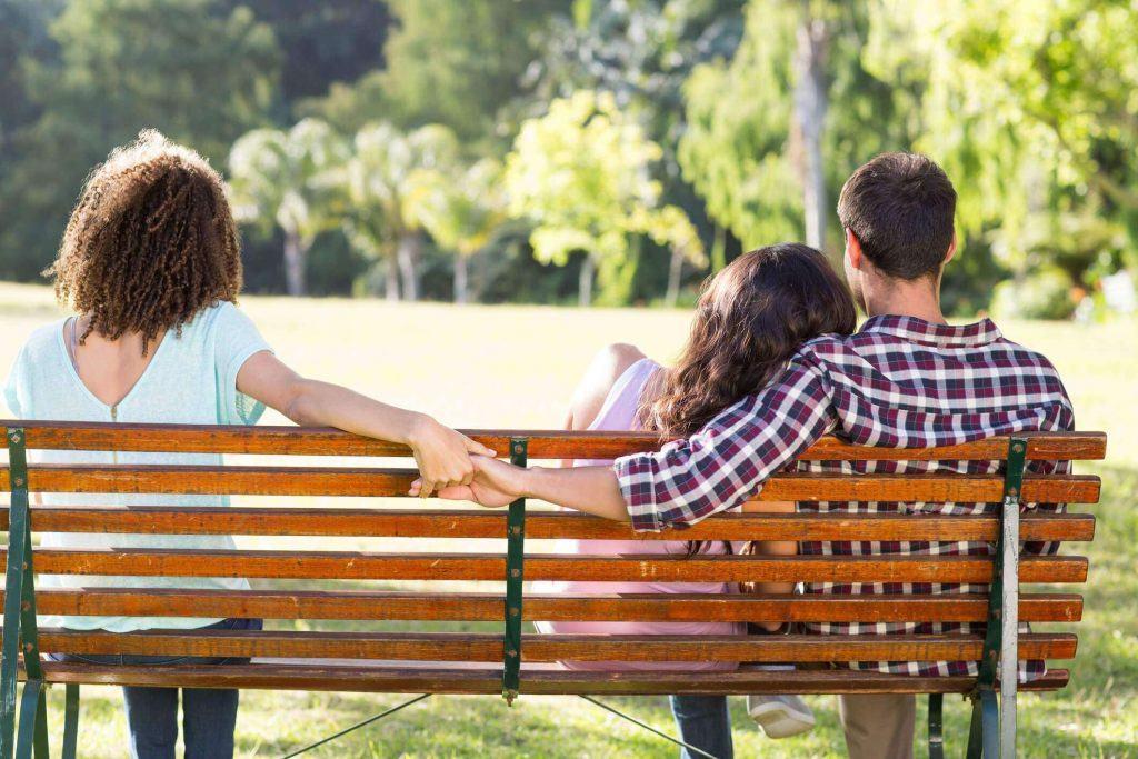 Phát hiện chồng ngoại tình: Có nên ly hôn hay không? 4