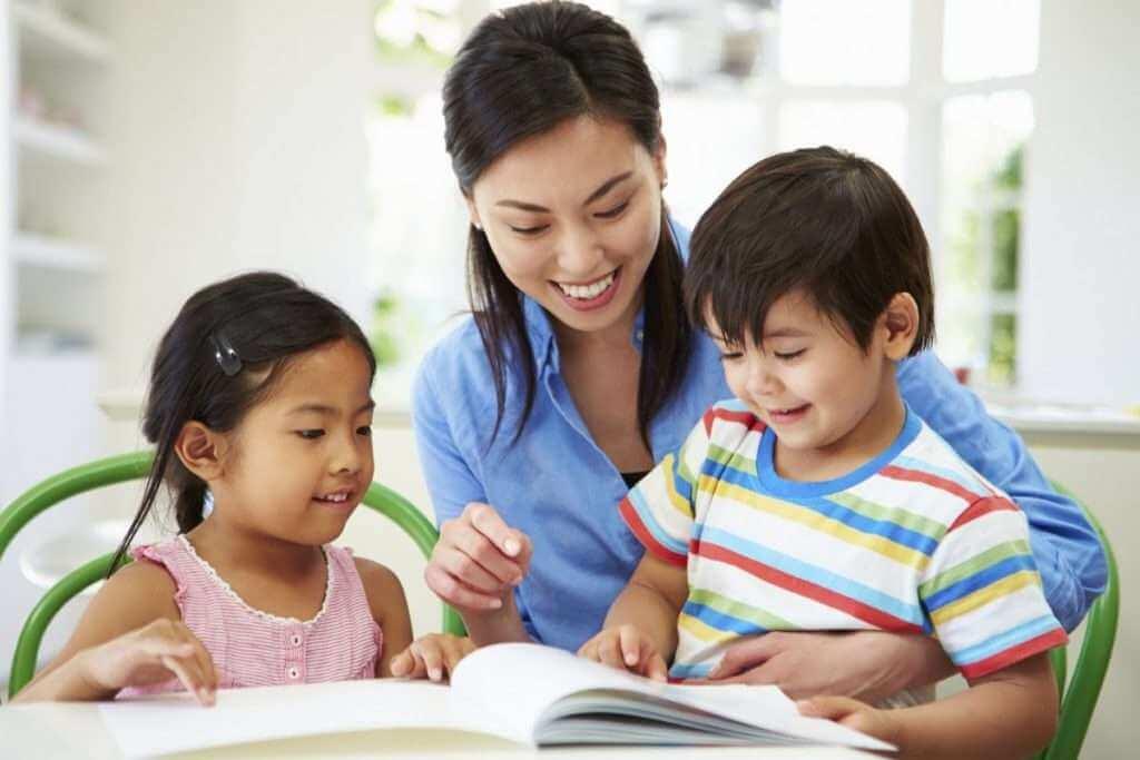 dạy bé học bài