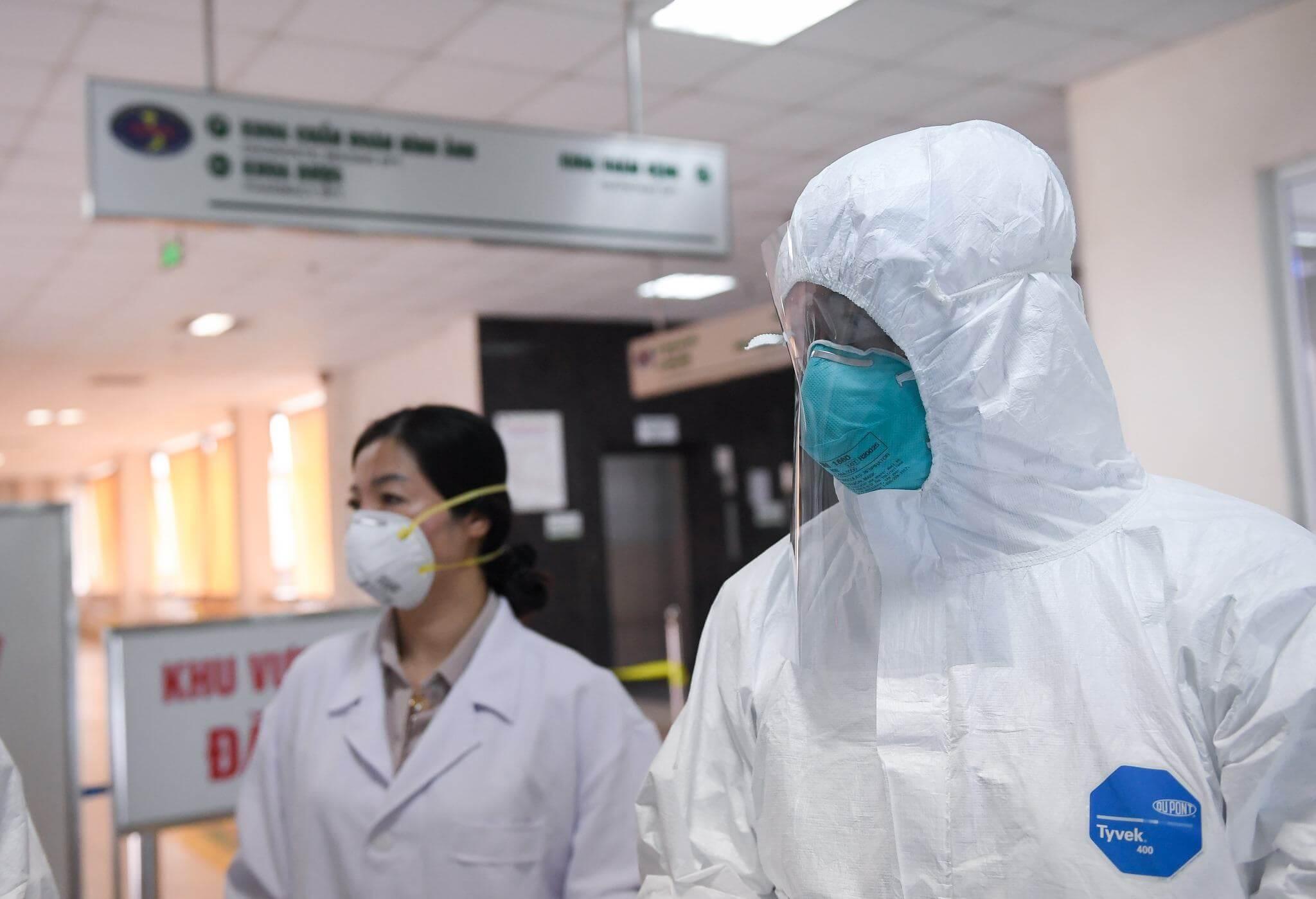 Có hơn 80 ca lây nhiễm nCoV cộng đồng tại Hải Dương và Quảng Ninh, Thủ tướng họp khẩn 9