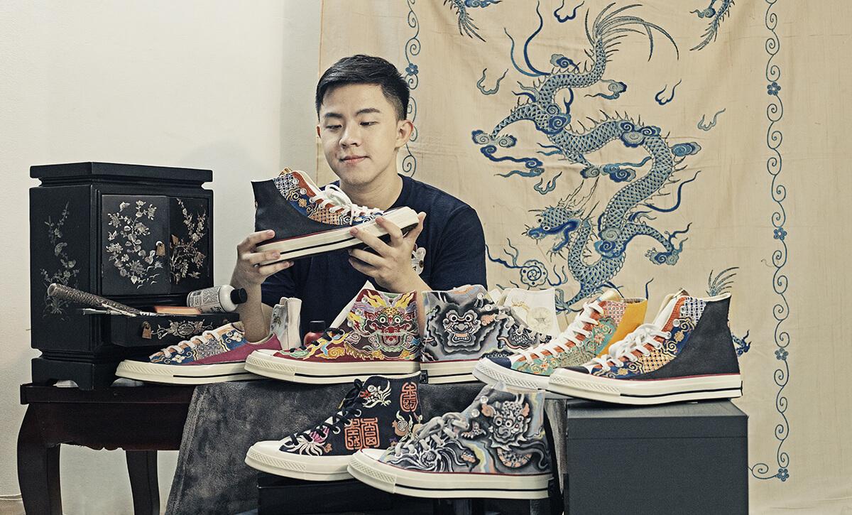 Chàng trai Kiên Giang vẽ họa tiết cung đình Huế lên giày 6